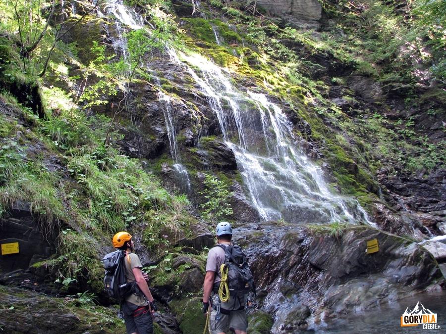 Boczny wodospad Moosdusche wMauthner Klamm