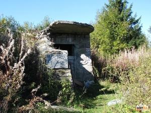 Ruiny schroniska na szczycie Lubania