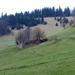 Pozostałości po socjalistycznej spółdzielni hodowli owiec pod Wysoką 1050 m