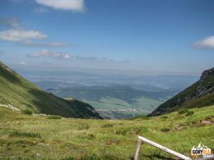 Widok z Przełęczy Szerokiej Bielskiej 1826 m