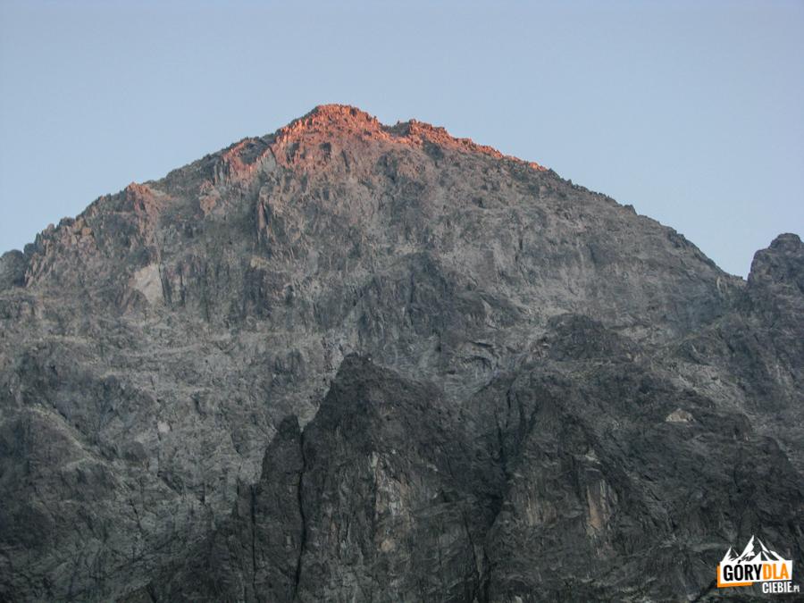 Wschód słońca naKieżmarskmi Szczycie (słow. Kežmarský štít) 2558 m