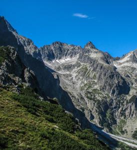 Widok zRakuskiej Czuby naotoczenie Doliny Zielonej Kieżmarskiej