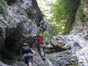 Górna część wodospadu Rotschitza-Klamm i pierwszy most linowy