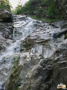 Pierwszy wodospad na trasie ferraty Rotschitza-Klamm