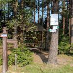 Drogowskazy na Przełęczy Rydza Śmigłego (niestety wiekszość całkiem wyplowiałe)