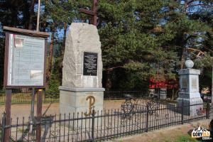 Pomnik na Przełęczy Rydza Śmigłego
