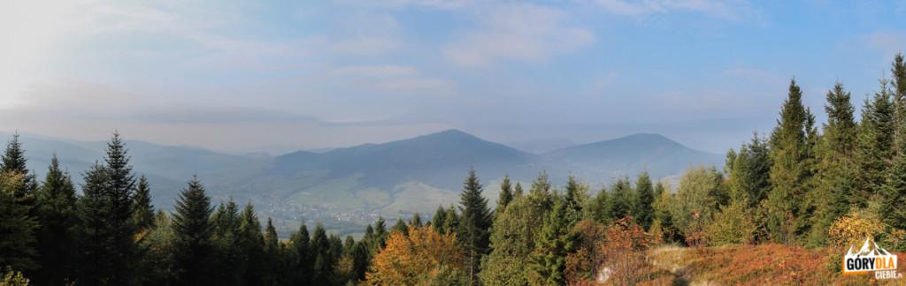 Panorama zPolany Widny Zrąbek - wdole Jurków, anad nim Ćwilin iŚnieżnica