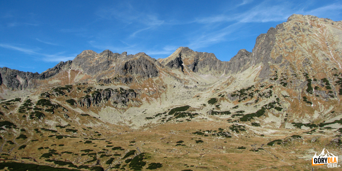 Otoczenie Pustej Dolinki widziane zpodejścia naSzpiglasową Przełęcz