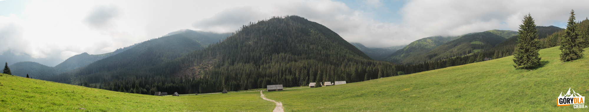 Panorama Polany Chochołowskiej zprzed Kaplicy Jana Chrzciciela