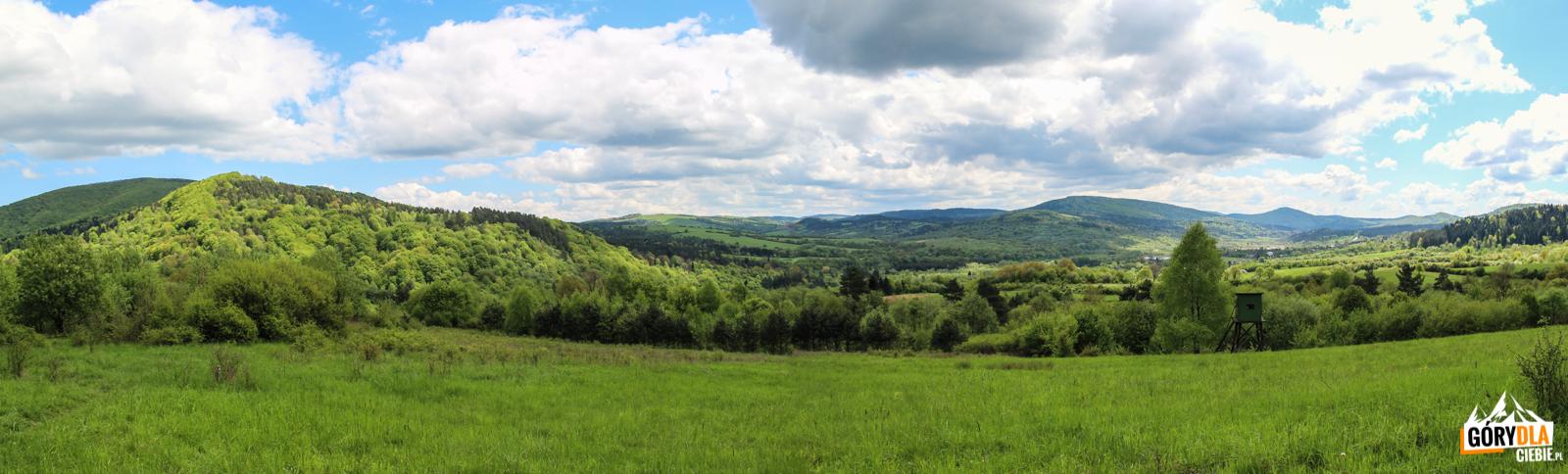 Panorama zdrogi poniżej Pustelni św.Jana zDukli (czerwony szlak, zejscie doNowej Wsi)