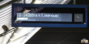 Pociąg retro na Dworcu Głównym w Krakowie