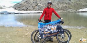 Rowerzyści mogą dojechać dopołożonego kilkadziesiąt metrów dalej jeziora Sommeiller