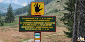 Znak informujący o zamknięciu szlaku od 1.11 - 15.06
