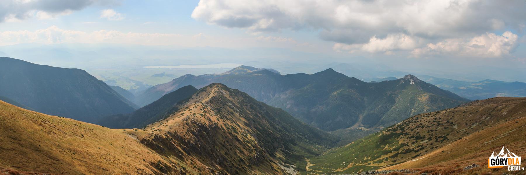 Widok zSalatyna (2048 m) naPodvalovec - odgałęzienie Doliny Bobrowieckiej