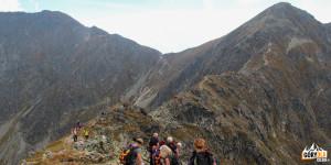 Banówka (2178 m), Banikowska Przełęcz (2040 m) i Pahoł (2167 m) widziane ze Spalonej Kopy (2083 m)