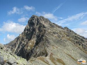 Świnica (2301 m) widziana z Pośredniej Turni (2128 m)