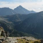 Mur Hrubego i Krywań (2494 m) widziane z Beskidu (2012 m)