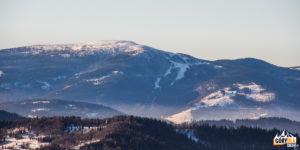 Pilsko (1557 m) i Hala Miziowa widziane ze szczytu Jałowca (1111 m)