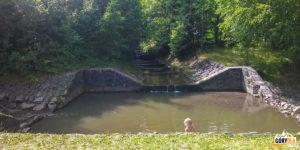 Kąpielisko przy parkingu przed Zajazdem Smrek w Korbielowie