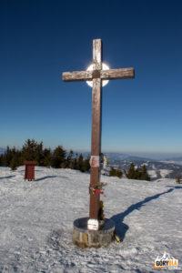 """""""Krzyż pojednania"""" na szczycie Wielkiej Raczy (1236 m)"""