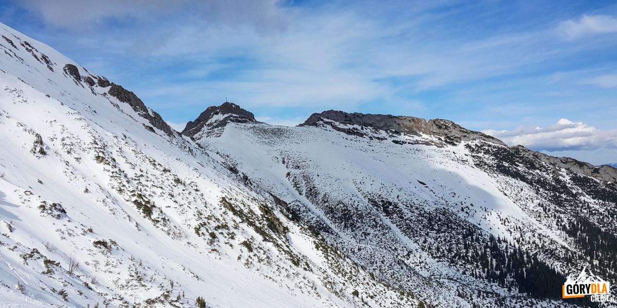 Giewont widziany zpodejścia naPrzełęcz podKopą Kondracką
