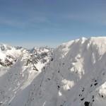 Widok z taternickiego wierzchołka Świnicy na Tatry Wysokie