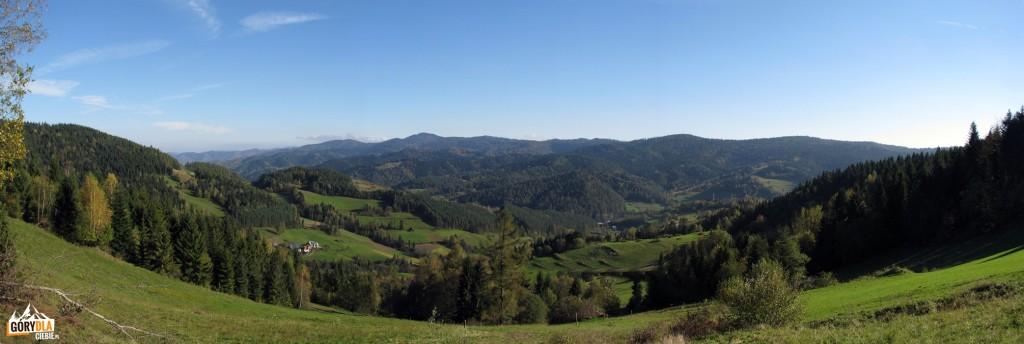Panorama Lubania z polany pod Skalistym Gronikiem