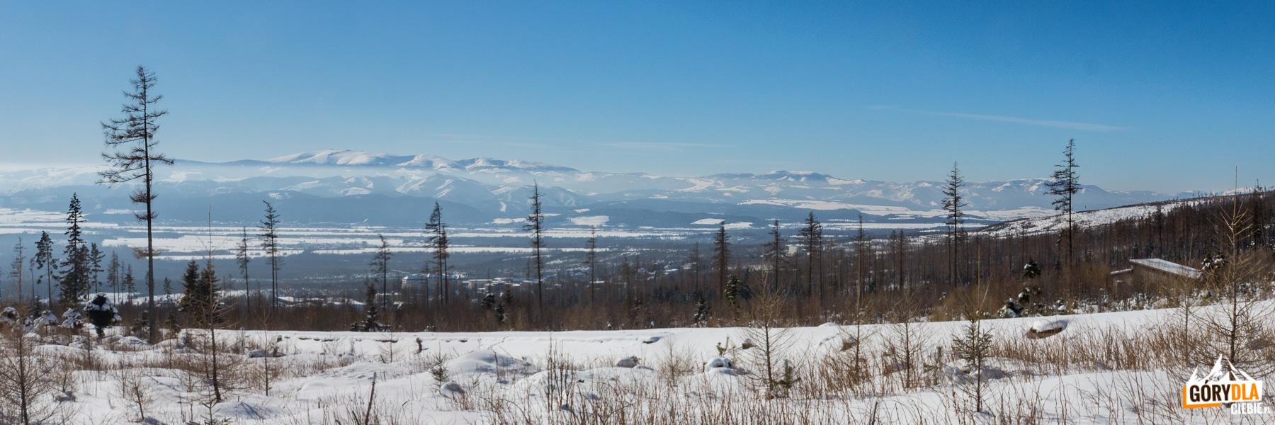 Widok z podejście na Hrebienok na Niżne Tatrył