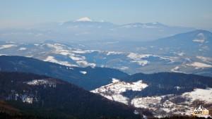 Babia Góra i Polica widziane ze szczytu Mogielicy.