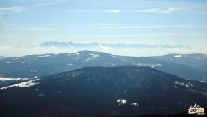 Widok ze szczytu Mogielicy na Tatry