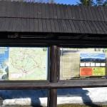 Tablice informacyjne na Przełęczy Krowiarki