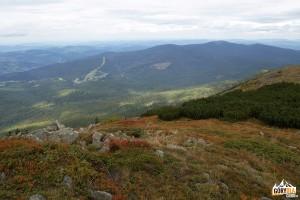 Widok spod Babiej Góry 1725 m na Pasmo Policy 1369 m