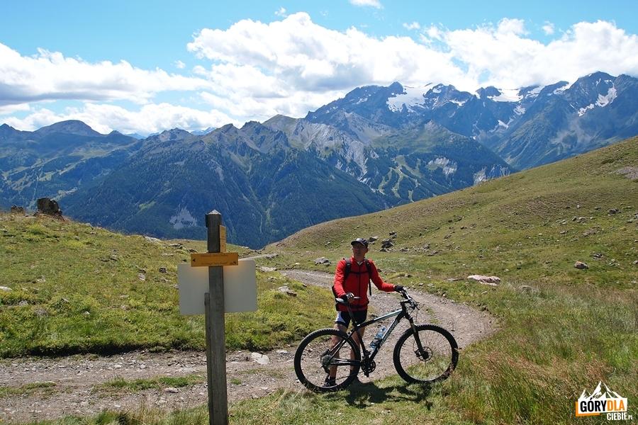 Na przełęczy Petit Col (2320 m)