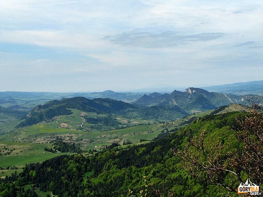 Trzy Korony 982 m i Haligovske skalý