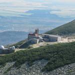Obserwatorium i stacja kolejki w Dolinie Łomnickiej (słow. Skalnata dolina).