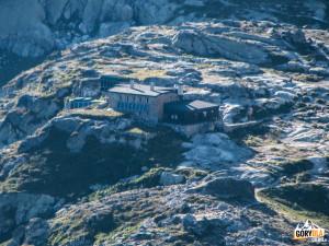Schronisko Téryego (słow. Téryho chata) w Dolinie Pięciu Stawów Spiskich