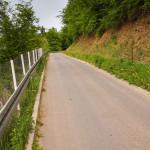 Kilometrowy bardzo stromy podjazd wzdłuż Dunajca