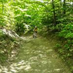 kamienista, błotnista i stroma droga do przysiółka Przysłop