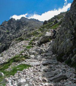 Droga na Lodową Przełęcz