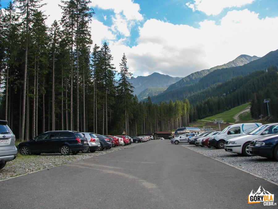 Parking przy Stacji Narciarskiej Rohacze Spalena