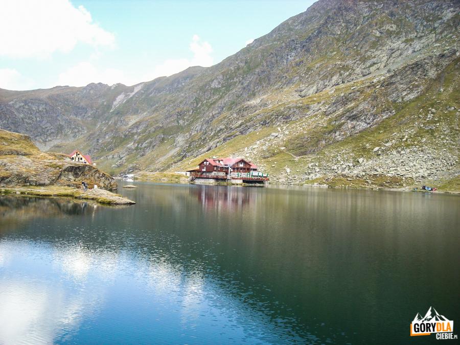 Jezioro Bâlea Lac (2037 m) wnajwyższym punkcie Drogi Transfogarskiej