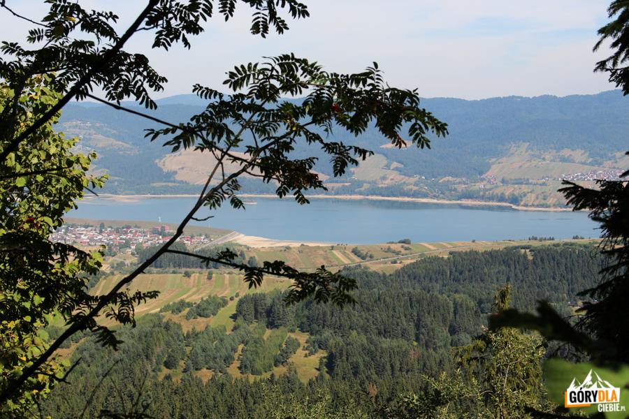 Jezioro Czorsztyńskie widziane zgrani Żaru (883 m)