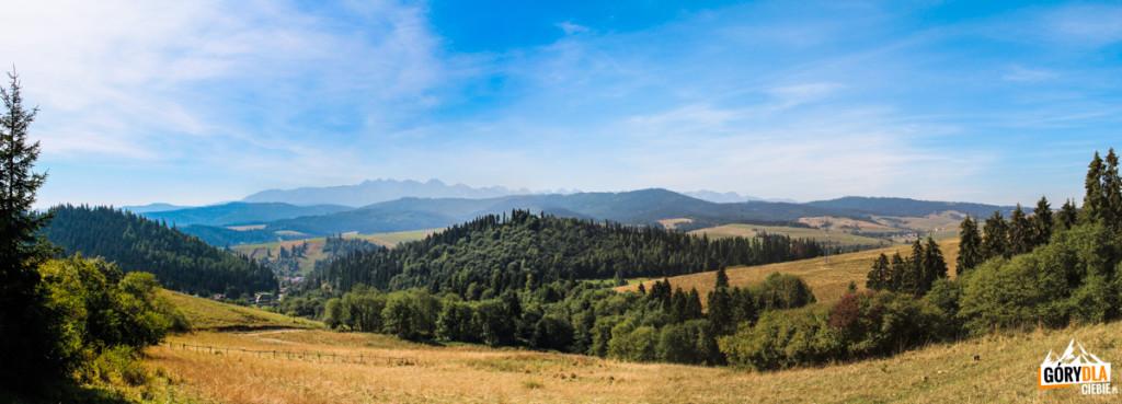 Panorama Tatr ze zboczy Ostrej Góry (793 m) nad Łapszami Niżnymi