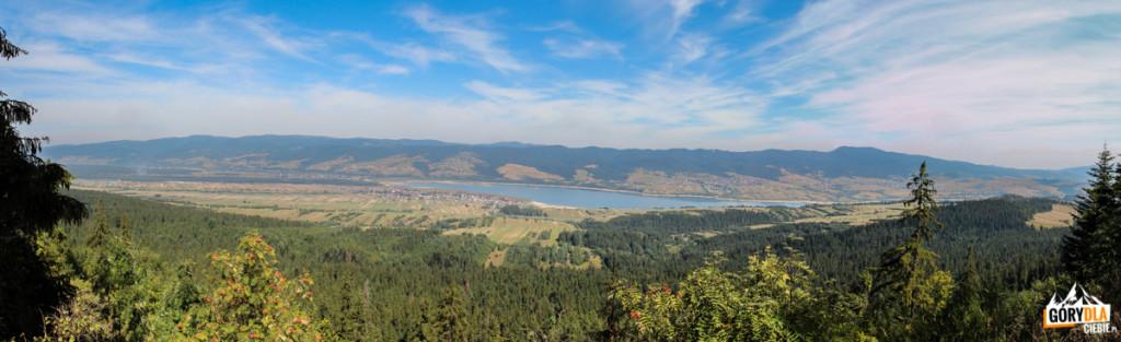 Panorama Gorców i Jeziora Czorsztyńskiego z grani Żaru (883 m)