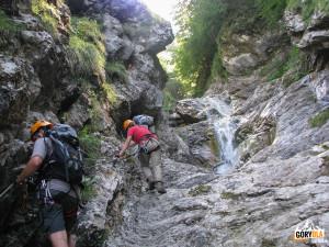 Górna część wodospadu Rotschitza-Klamm i pierwszy most linowy.