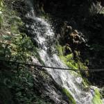 """Boczny """"prysznic"""" na trasie ferraty Rotschitza-Klamm"""