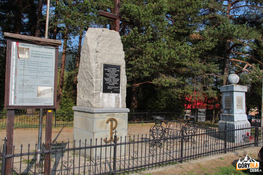 Pomnik naPrzełęczy Rydza Śmigłego