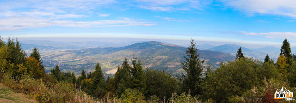 Panorama Beskidu Wyspowego: (Szczebel, Lubogoszcz, Ciecień, Śnieżnica) spod schroniska na Luboniu Wielkim 1022 m