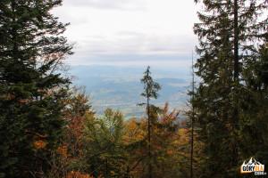 Widok na Gorce z gołoborza pod Luboniem Wielkim 1022 m