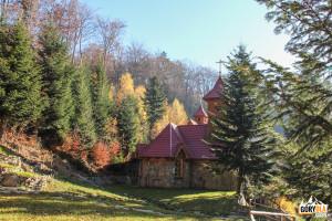 Kaplica Matki Boskiej Śnieżnej w Ośrodku Rekolekcyjnym na Śnieżnicy